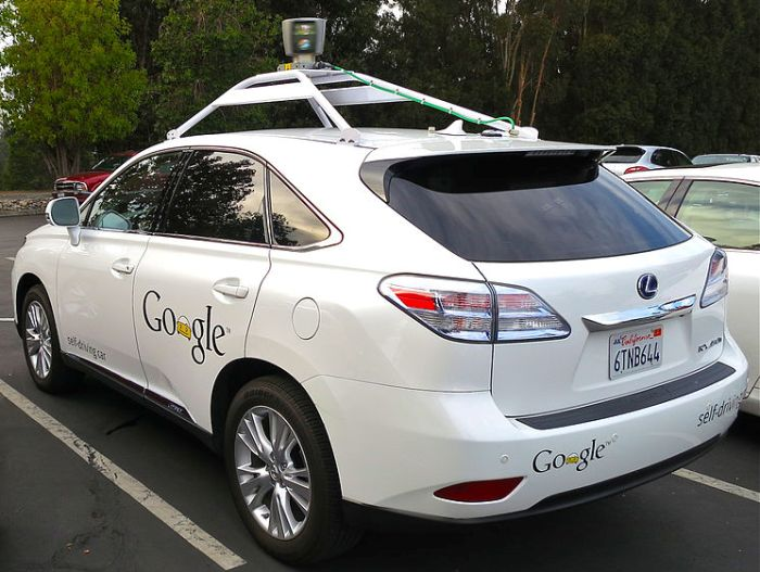 By Driving_Google_Self-Driving_Car.jpg: Steve Jurvetson derivative work: Mariordo [CC-BY-2.0 (http://creativecommons.org/licenses/by/2.0)], via Wikimedia Commons