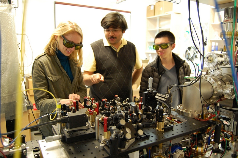 Researchers at the Ultracold Lab of Mukund Vengalattore, Image credit: Cornell University