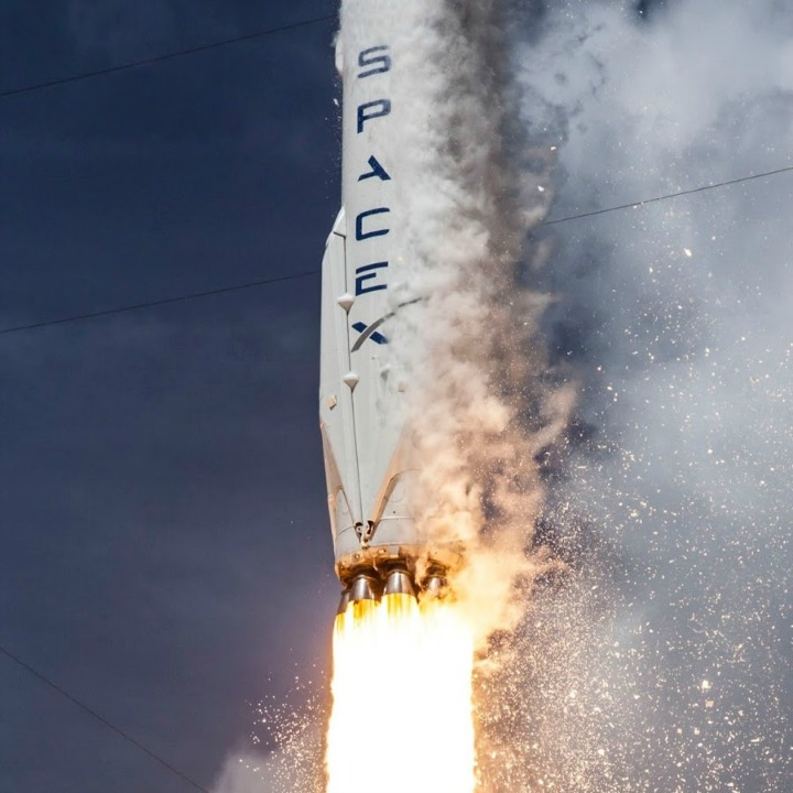spacex-rocket