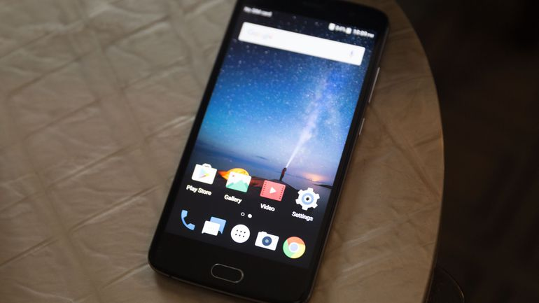 cnet-zte-blade-v8-pro-product-photos-1