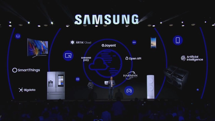 Tim Baxter on stage (Image Source: Samsung)