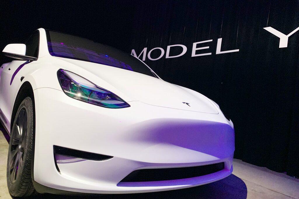 Tesla Recalls Cars
