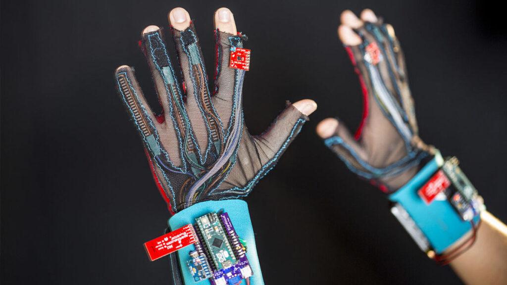SignAloud Smart Gloves