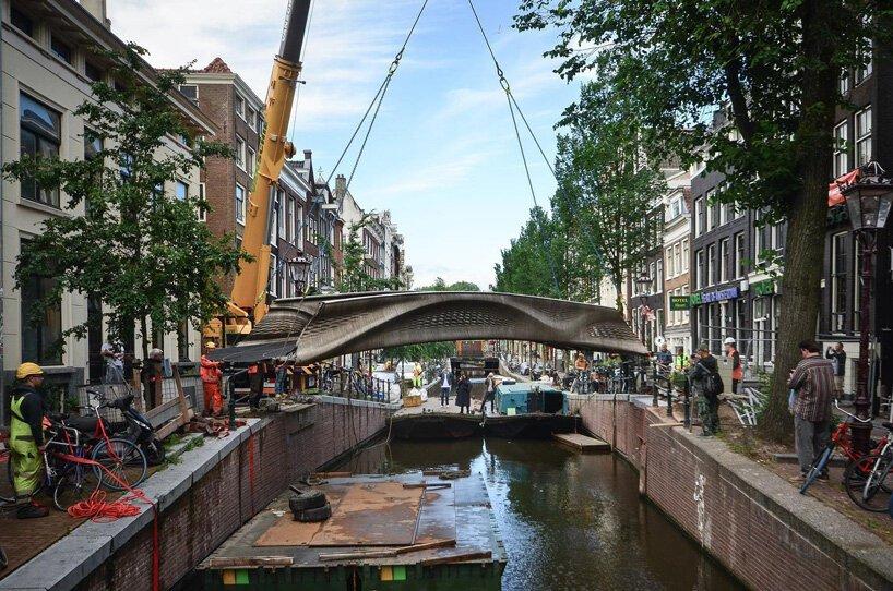 steel-bridge-oldest-canals-amsterdam